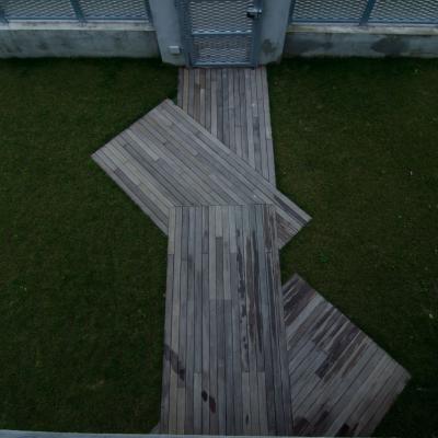 Esterno-Particolare pavimentazione ingresso